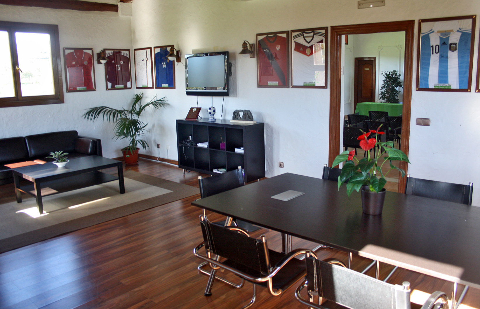 MARBELLA FOOTBALL CENTER MEETING ROOM